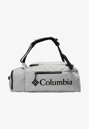 STREET ELITE™ CONVERTIBLE DUFFEL PACK - Sportovní taška - cool grey
