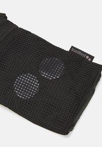 pinqponq - FLAK SMALL UNISEX NECK POUCH - Across body bag - pure black - 3