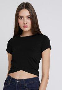 Even&Odd - Basic T-shirt - black - 0