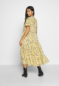 Topshop Petite - DAISY GRANDAD  - Shirt dress - yellow - 2
