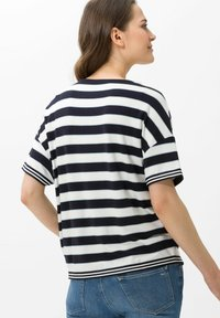 BRAX - Style Rachel - Print T-shirt - navy - 2
