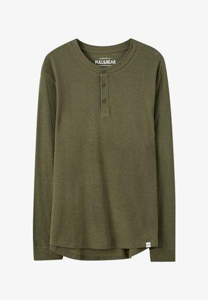 BASIC-SHIRT MIT KNÖPFEN 05234501 - T-shirt à manches longues - khaki