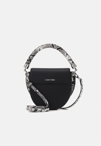 SADDLE BAG - Handbag - black