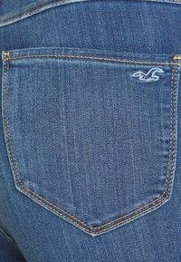 Hollister Co. - CURVY KNEE - Skinny džíny - blue denim - 5