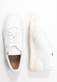 adidas Originals - CONTINENTAL 80 PRIMEGREEN VEGAN - Sneakers laag - footwear white/offwhite/green - 5