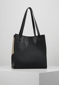 Love Moschino - Tote bag - nero - 2