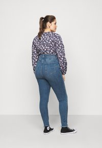 New Look Curves - LIFT AND SHAPE - Jeans Skinny Fit - mid blue - 2