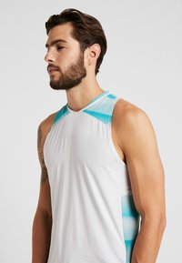 Under Armour - CURRY ELEVATED  - Top - halo gray/teal rush/black - 3