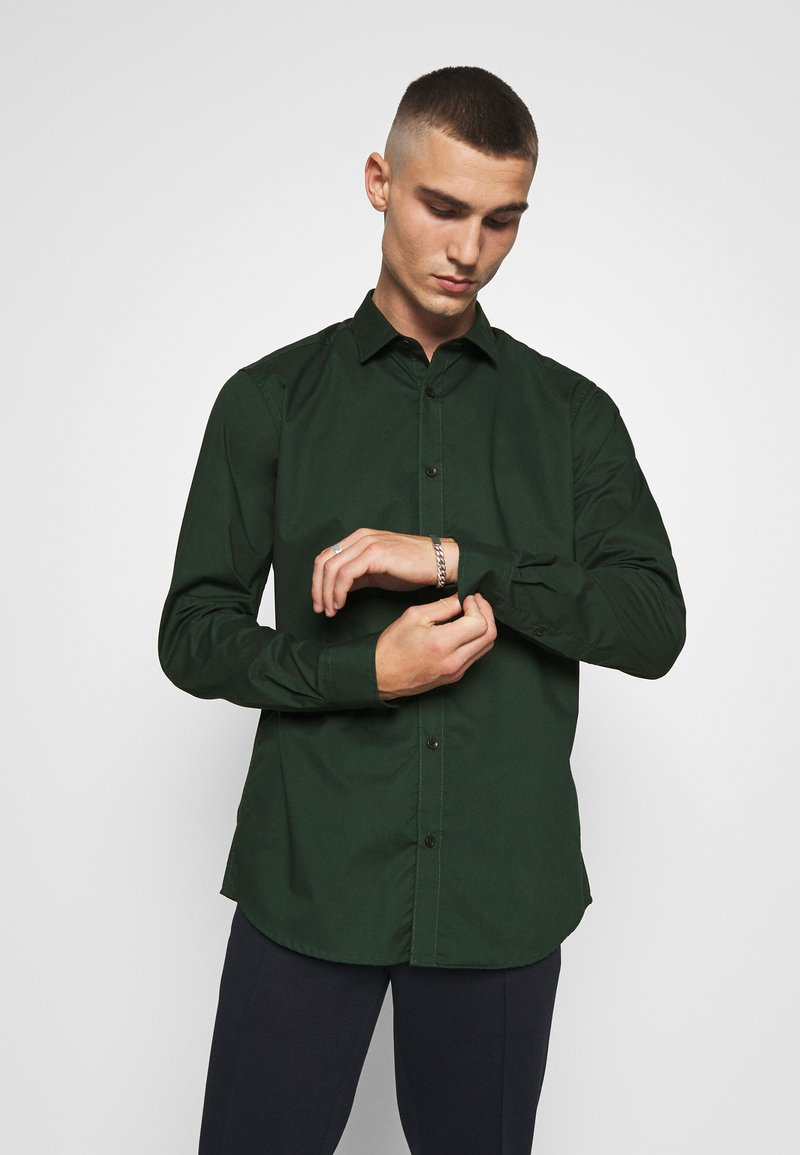 Only & Sons - ONSSANE SOLID POPLIN - Overhemd - scarab