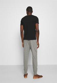 Hollister Co. - JOGGER LOUNGE BOTTOMS - Bas de pyjama - grey - 2