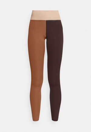 ONE LUXE - Legging - canyon rust/clear