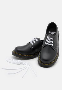 Dr. Martens - 1461 HEARTS - Stringate - black - 5