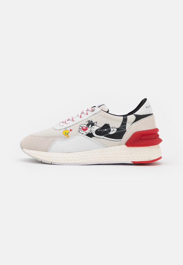 RUNNING - Sneakers - white/red