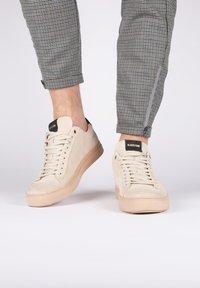 Blackstone - Sneakers - almond milk - 2