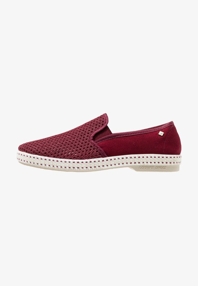 CLASSIC 20° - Loaferit/pistokkaat - bordeaux