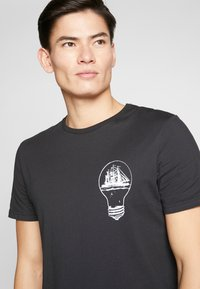 Pier One - T-shirt imprimé - black - 3