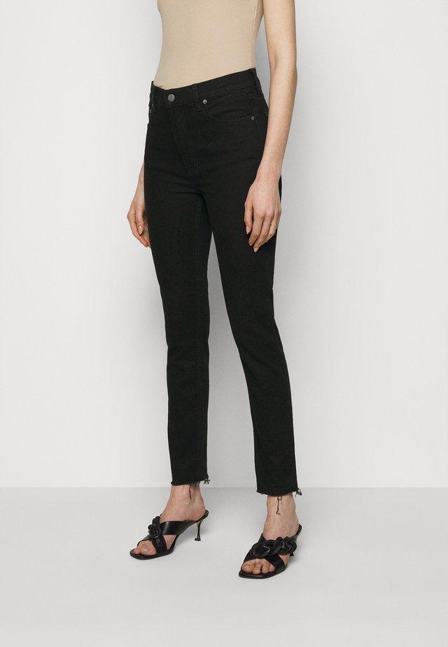 ZACHARY HIGH RISE SKINNY - Skinny džíny - black beauty