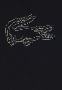 Lacoste - BOY TEE - T-shirts print - navy blue - 4