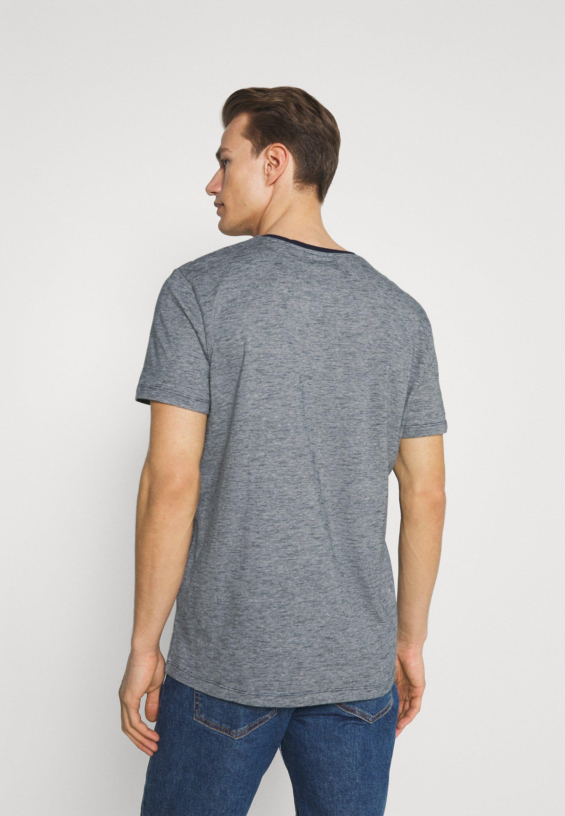 Men FINESTRIPED - Print T-shirt