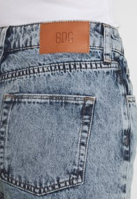 BDG Urban Outfitters - MOM - Jeans straight leg - acid wash blue - 6