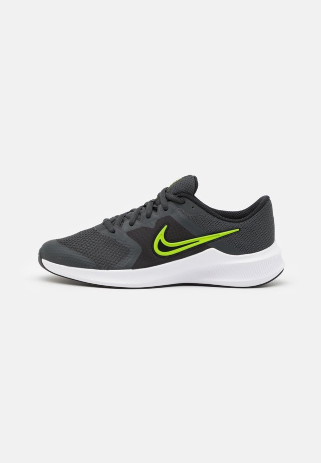 DOWNSHIFTER 11 UNISEX - Zapatillas de running neutras - dark smoke grey/volt/black/white