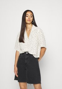 Monki - TANI BLOUSE - Skjorte - white - 0