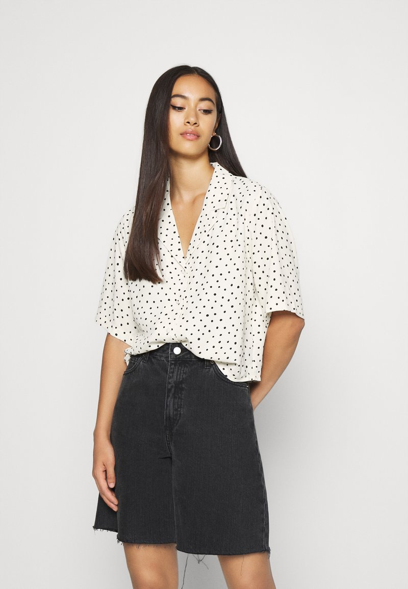 Monki - TANI BLOUSE - Skjorte - white