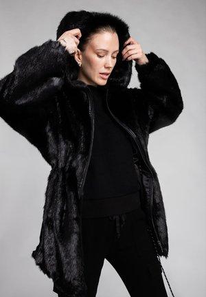 OLIVIA  - Vinterjakke - black