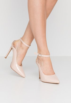 POINTED HIGH COURT WITH ANKLE STRAP - Escarpins à talons hauts - nude