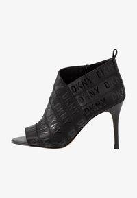 DKNY - ISSA - Kotníková obuv na vysokém podpatku - black - 1