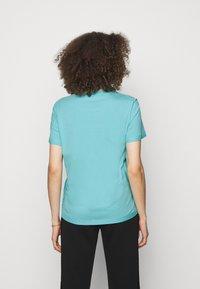 MOSCHINO - Print T-shirt - fantasy light blue - 2
