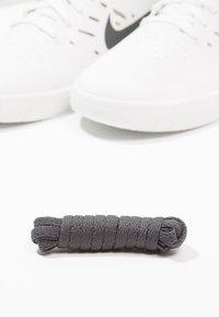 Nike SB - NYJAH FREE - Skateschoenen - summit white/anthracite/lemon wash - 5