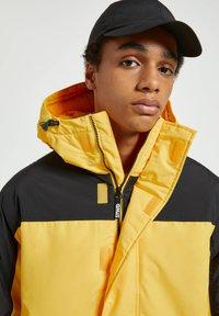PULL&BEAR - Winter jacket - yellow - 4