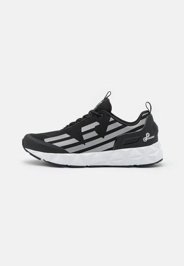 UNISEX - Sneakersy niskie - black/silver