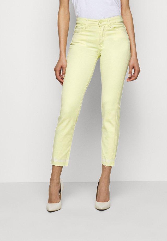 ROXANNE - Skinny džíny - yellow