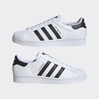 adidas Originals - SUPERSTAR VEGAN - Tenisky - footwear white/core black/green - 5