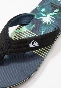 Quiksilver - MOLOKAI LAYBACK - Pool shoes - black/blue/green - 5