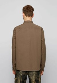 BOSS - LOVEL - Shirt - khaki - 2