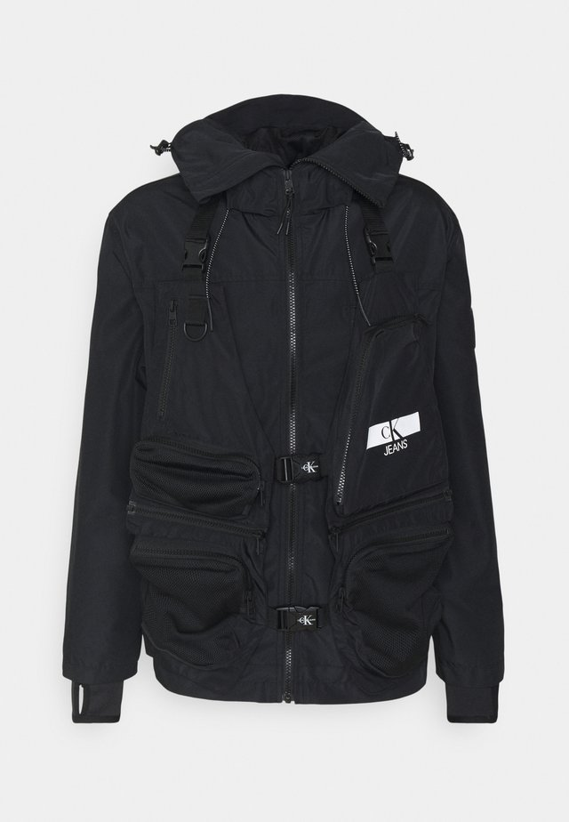 TECHNICAL 2 IN 1 UTILITY JACKET - Vesta - black