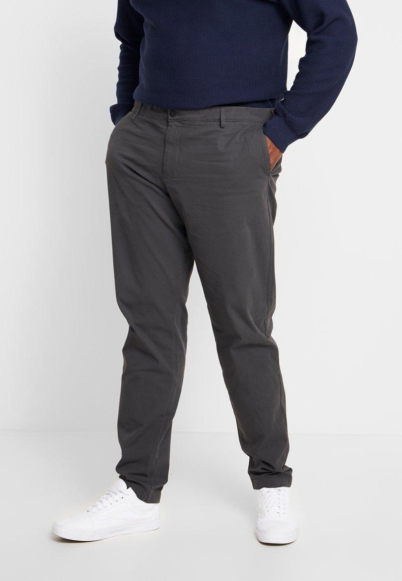DOCKERS - 360 TAPERED - Chino kalhoty - steelhead