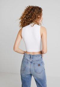 Abrand Jeans - JOSEPHINE SKRIVER LELU TANK - Top - white - 2