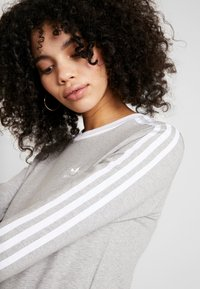 adidas Originals - Long sleeved top - medium grey heather/white - 3