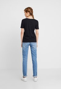 Tommy Hilfiger - NEW LUCY - T-shirt basique - black - 2