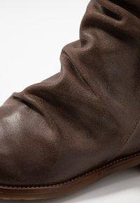 Felmini Wide Fit - CLASH - Classic ankle boots - zenia camel - 2