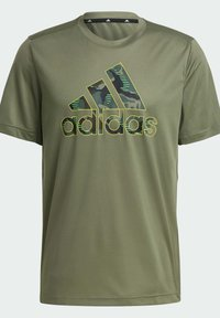 adidas Performance - CAMOUFLAGE GT2 DESIGNED2MOVE PRIMEGREEN WORKOUT GRAPHIC T-SHIRT - Print T-shirt - green - 7