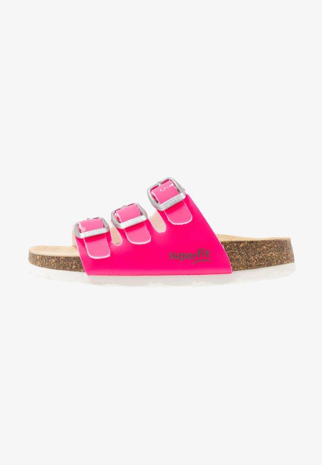 FUSSBETTPANTOFFEL - Pantuflas - pink