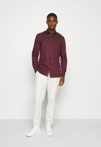 OLYMP No. Six - No. 6 - Koszula biznesowa - bordeaux - 1