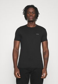 Calvin Klein Jeans - SLIM TEE 3 PACK - Jednoduché triko - olive/black/grey - 3