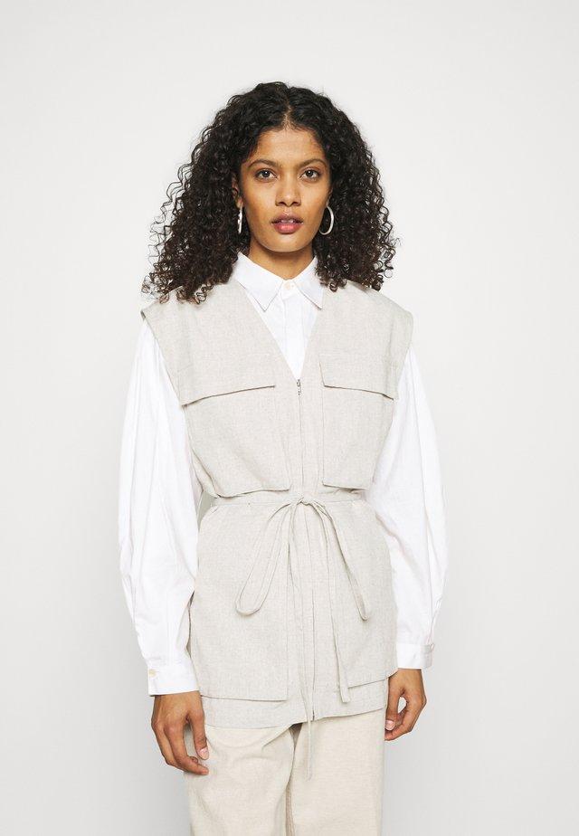 XYRAISE VEST - Vest - offwhite
