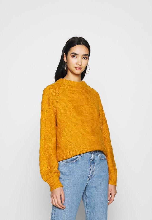 NMFELIPE - Sweter - inca gold